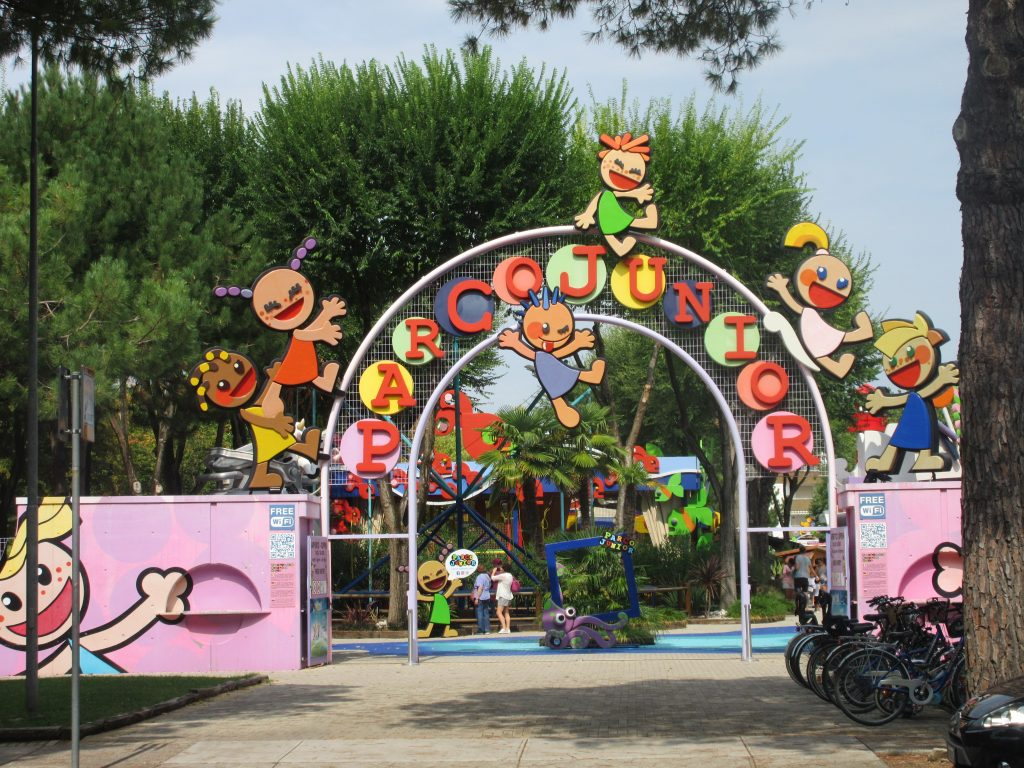Parco Junior Eingang